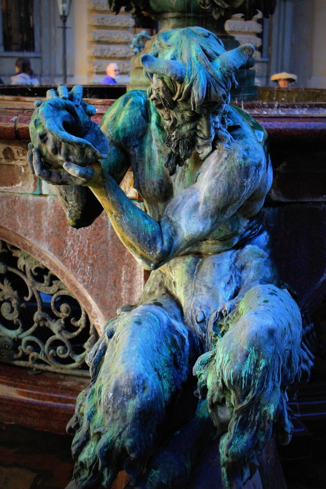 Statue at the Hygieia fountain in the Rathaus courtyard